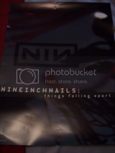 http://i551.photobucket.com/albums/ii456/NIN_rocksmysocks/100_6091.jpg
